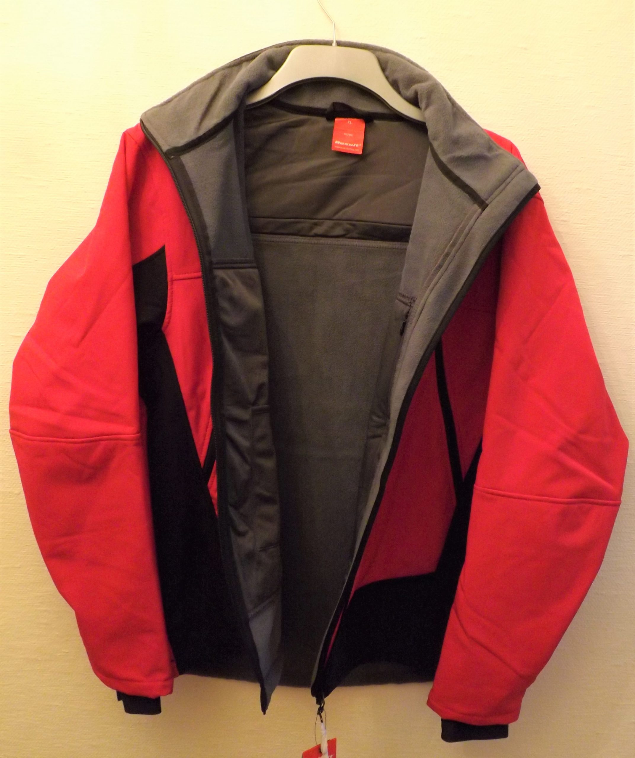 BENCHREST UK SOFT SHELL WATERPROOF BREATHABLE WINDPROOF RED JACKET